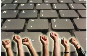 hands keyboard